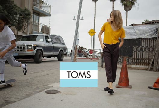 Grab Women's Autumn Favourites at TOMS